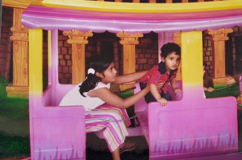 Childhood picture of Niharika Nm with her younger brother