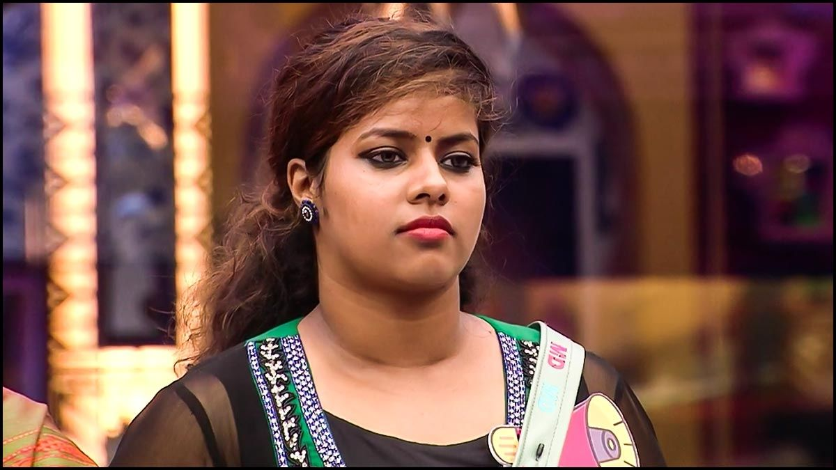 A picture of Michelle from the Bigg Boss house
