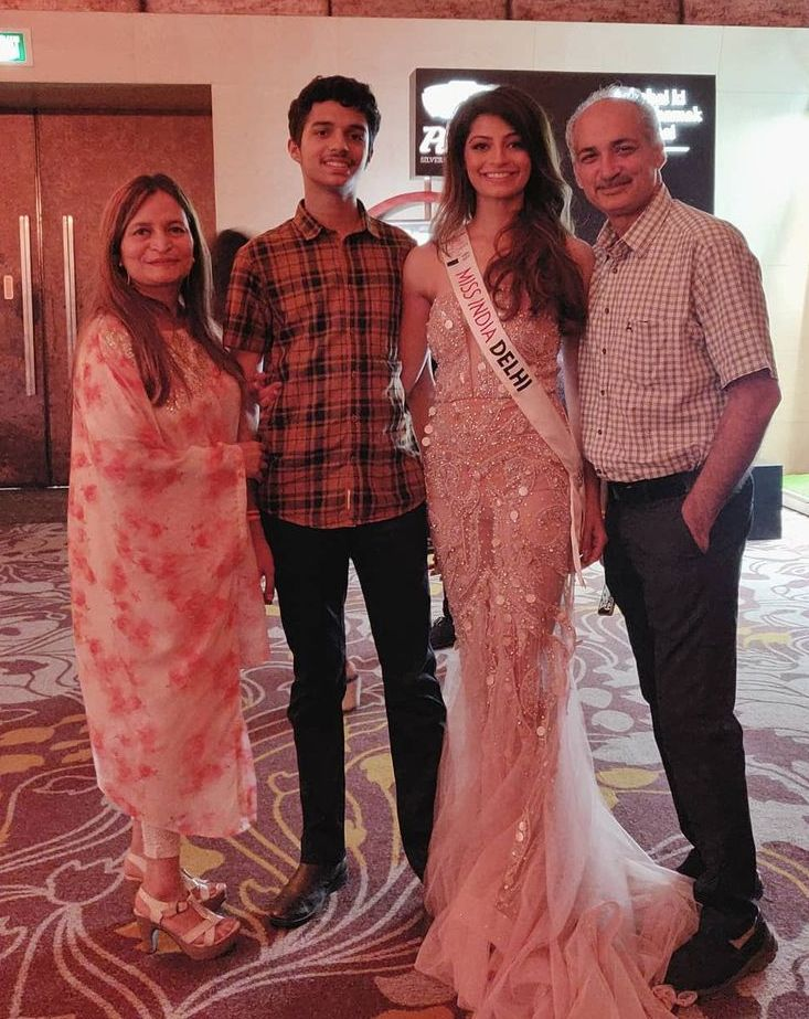 Mansi Sehgal with family