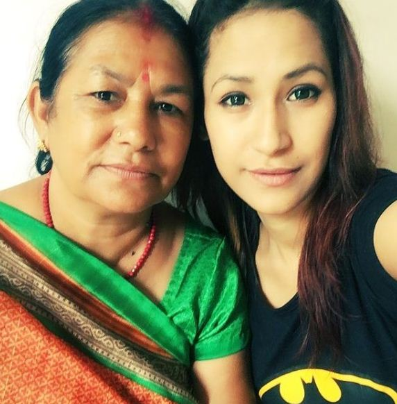 Aditi Rajput with her mother