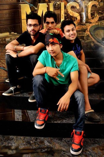 Pawandeep Rajan with his band 'RET'