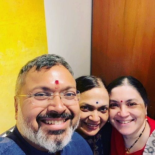 Devdutt Pattanaik with his sisters