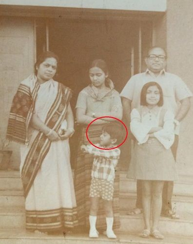 Devdutt Pattanaik's childhood picture with his parents and sisters