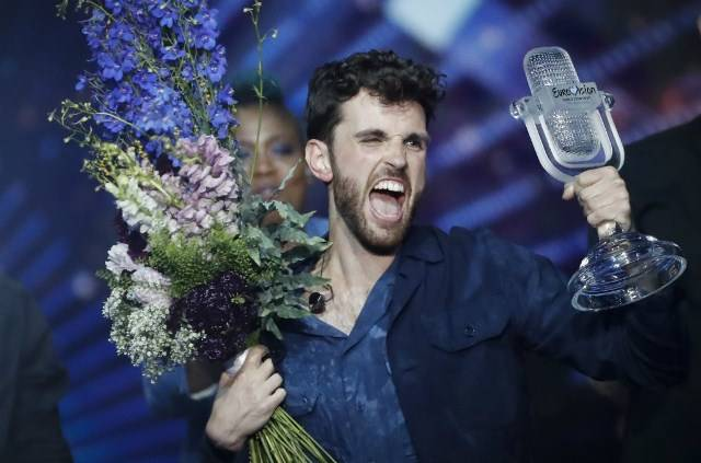 Duncan Laurence with his Eurovision Song Contest trophy