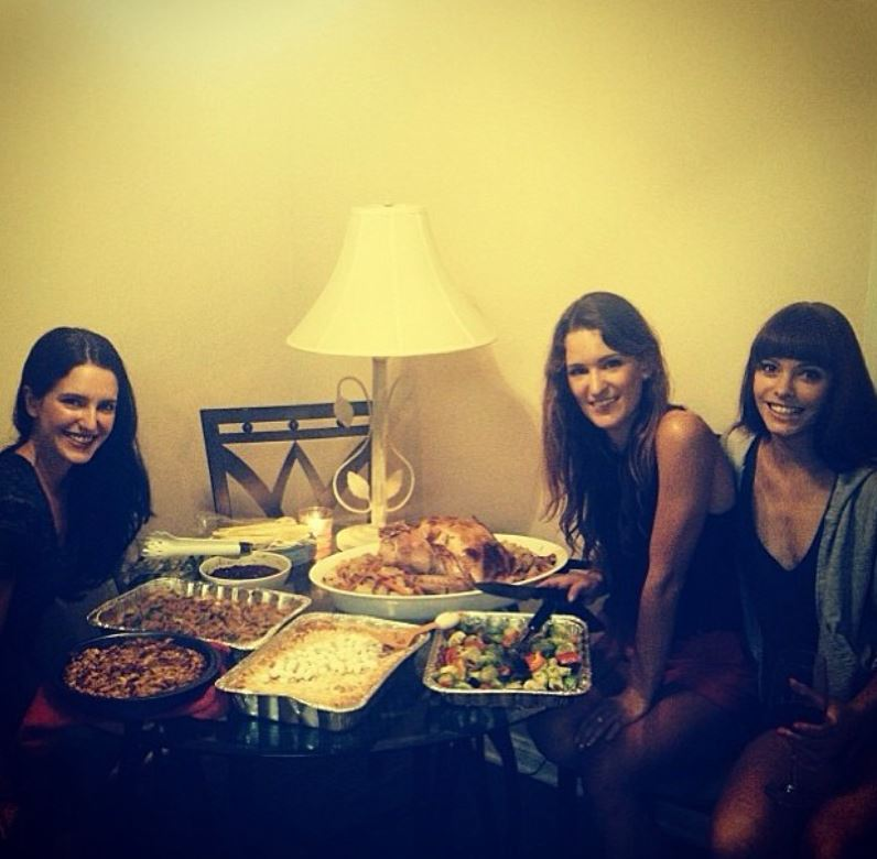 Isabelle Kaif having dinner with her friends