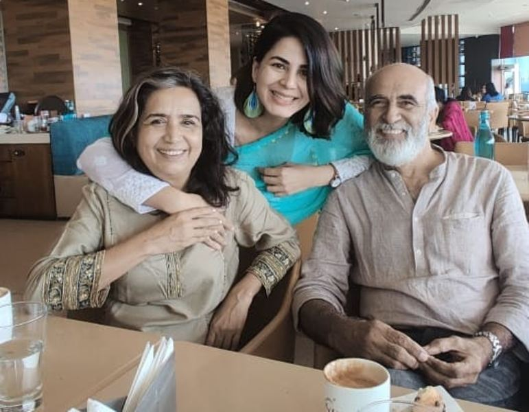 Saahil Sehgal's wife with his parents