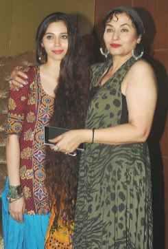 Salma Agha with her daughter