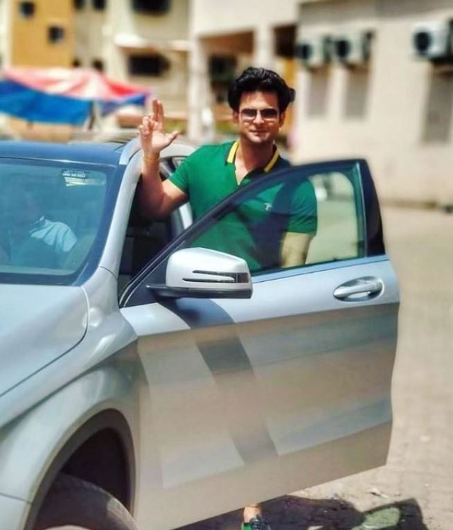 Sanket Bhosale with his car