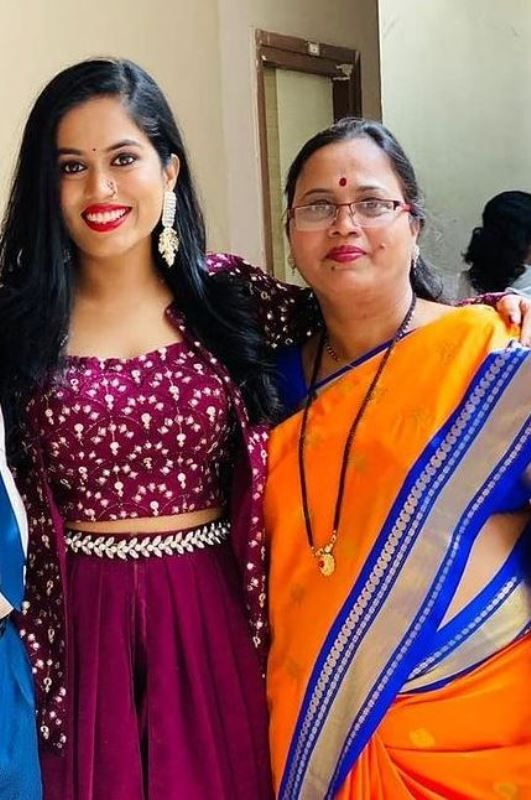 Sayli Kamble with her mother