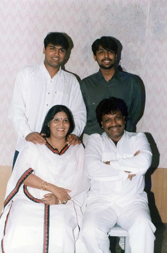 Shravan Rathod with his wife, and his sons Sanjeev and Darshan Rathod.