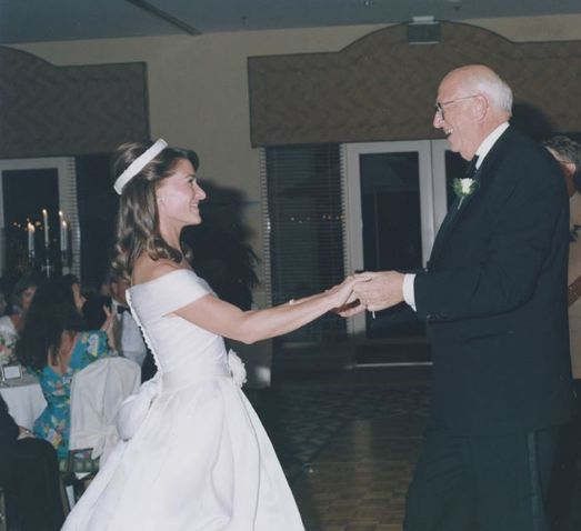 Melinda Gate dancing with her father-in-law at her wedding to Bill gates