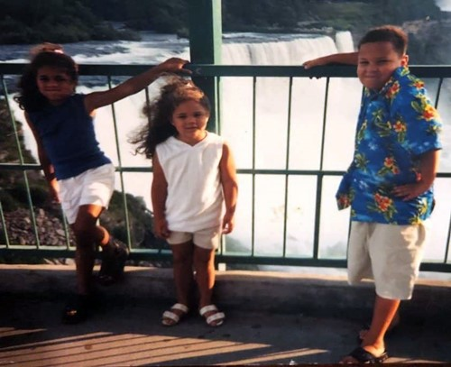 Childhood picture of Alexi McCammond with her siblings