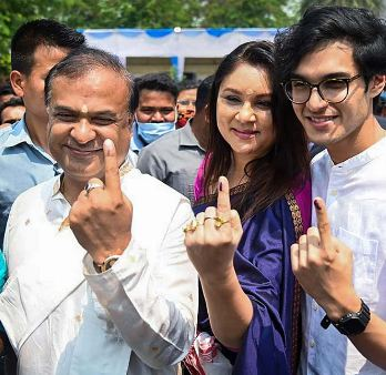 Himanta Biswa Sarma with his wife and son