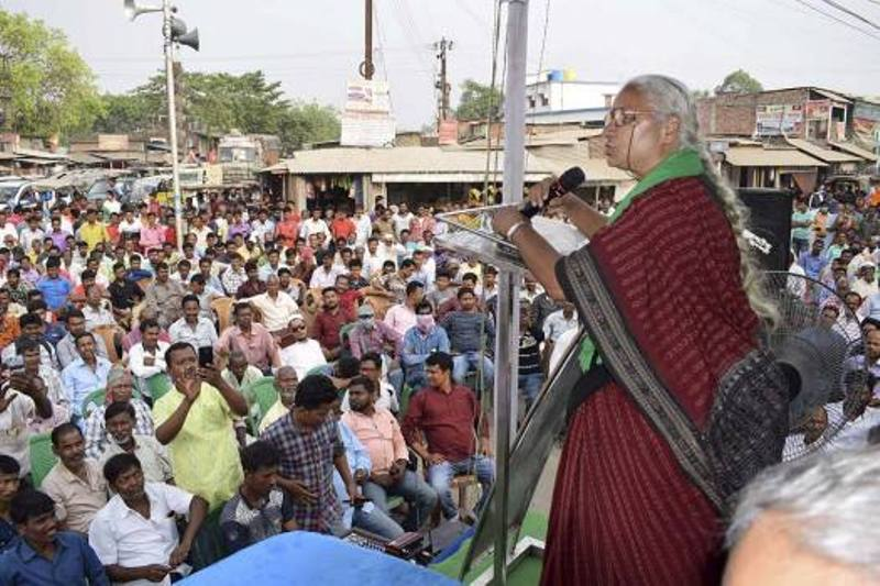 Medha Patkar delivering a speech at a movement in West Bengal