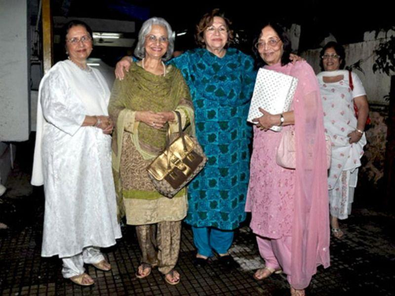 Sadhana (first from right) with Helen, Waheeda Rehman, and Nanda in 2010