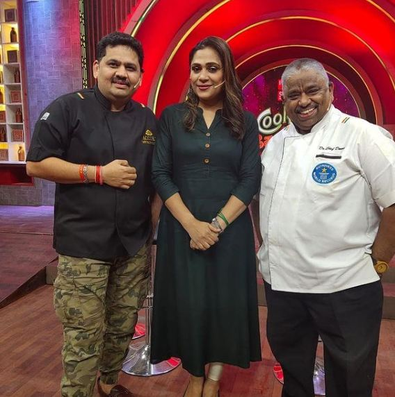 Venkatesh Bhat in Cook with Comali