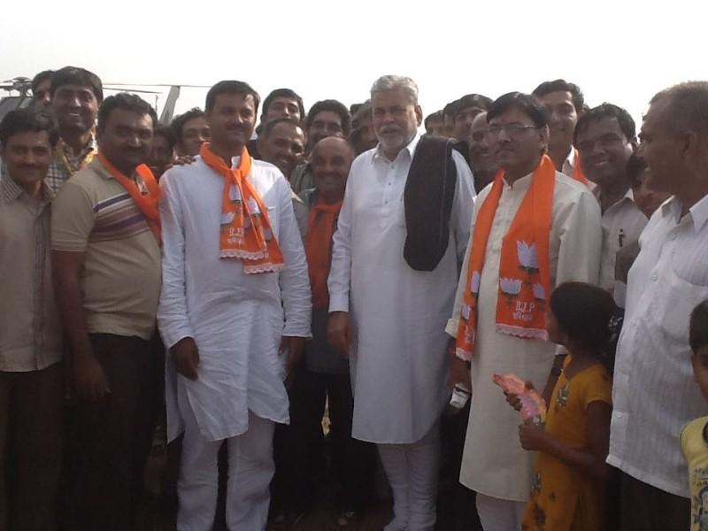 Mansukh Mandaviya after being appointed as the State Secretary of BJP