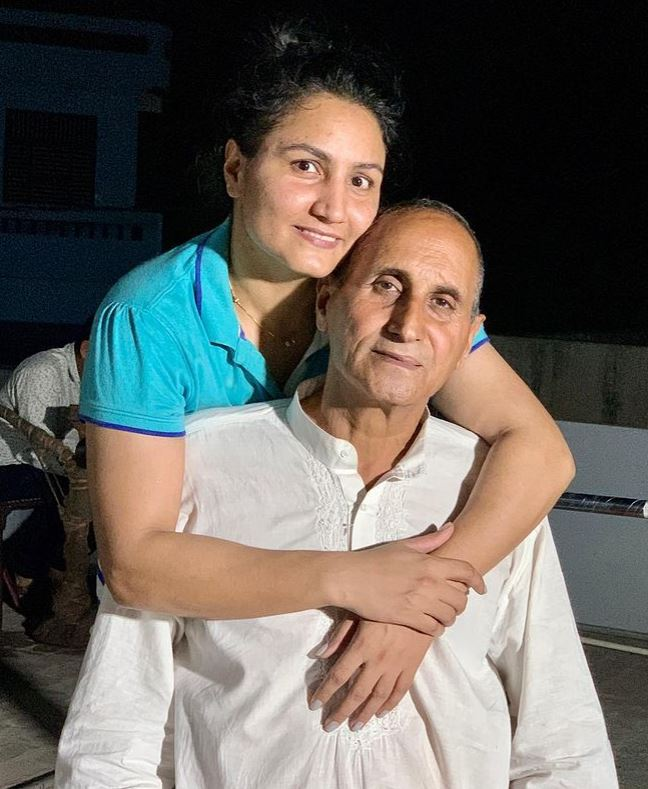 Pooja Rani with her father