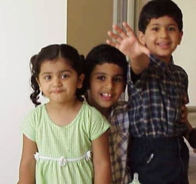 Puneet Kaur's childhood picture with her siblings