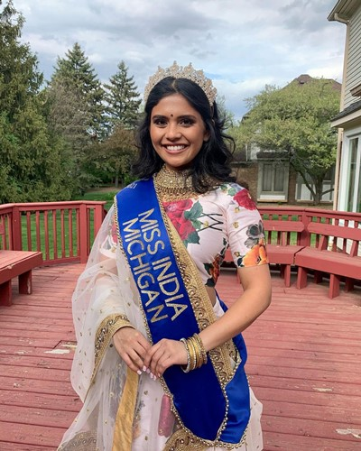 Vaidehi Dongre with the winning crown and the title sashe