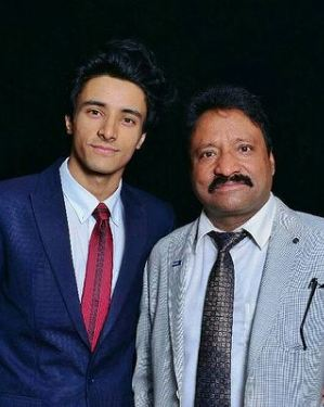 Aksh Baghla with his father