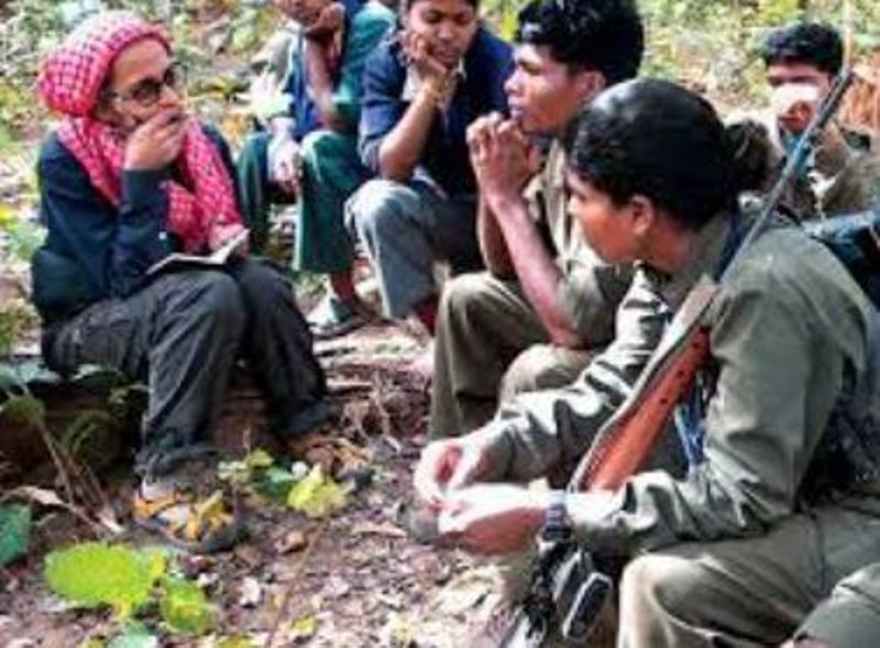 Arundhati Roy while interviewing the maoists
