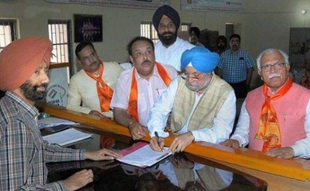 Hardeep Singh Puri filing his nominations for the 2019 General Election from the Amritsar constituency