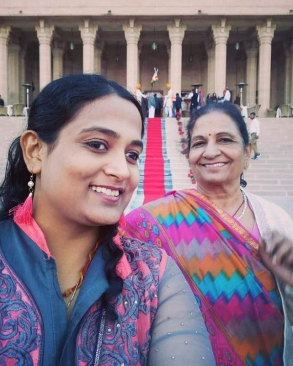 Kriti Bharti with her mother