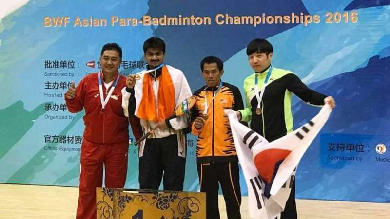 Suhas while winning a gold medal in Asian Para-Badminton Championships in 2016