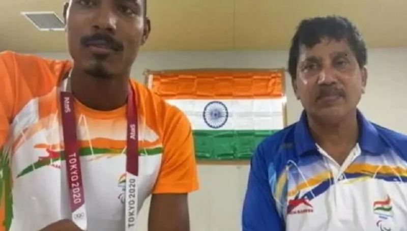 A selfie by Nishad Kumar with his coach