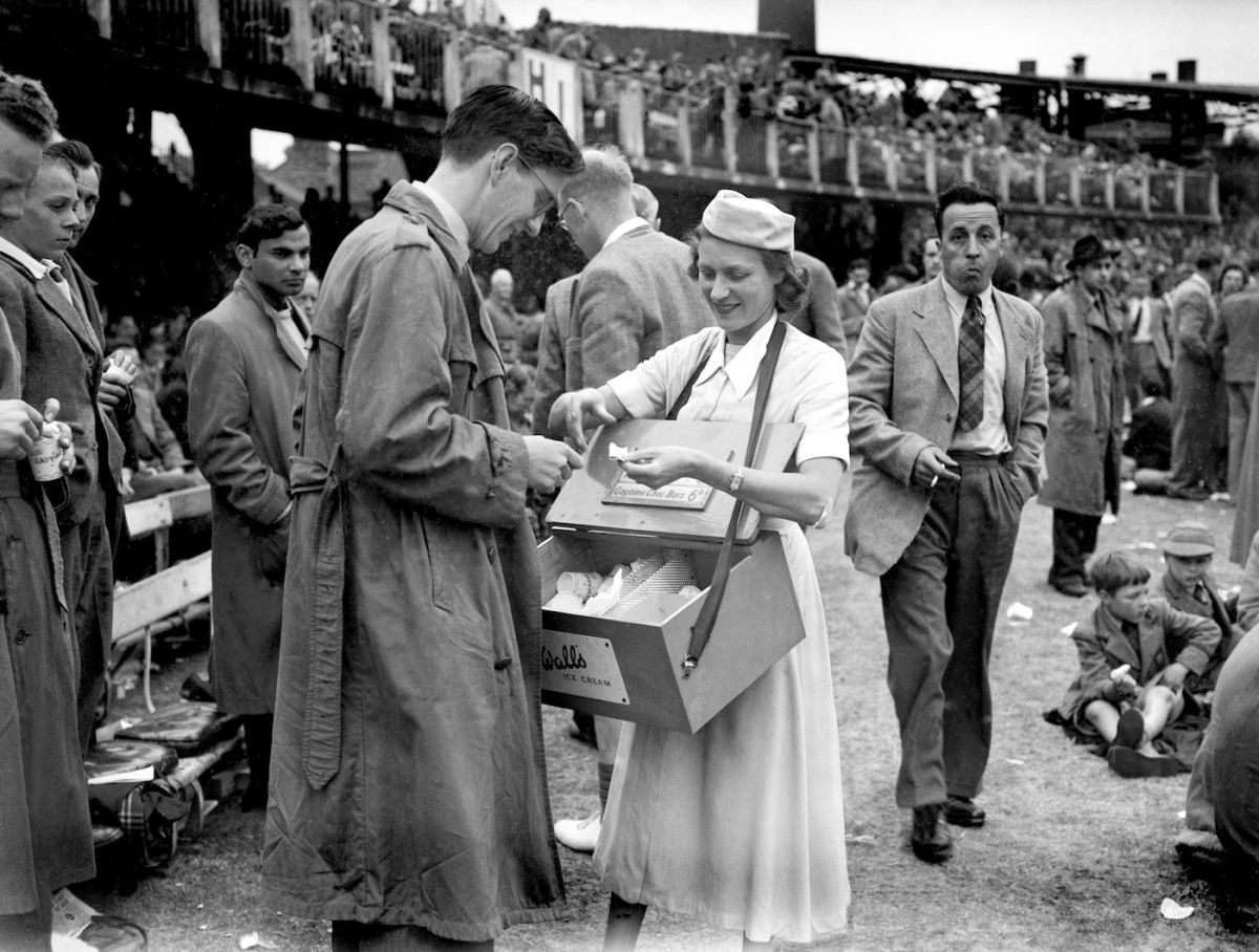 A woman was seen selling ice-cream to a spectator during the third test match between India and England