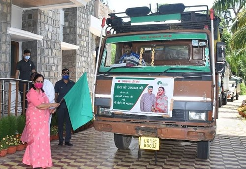 Baby Rani Maurya flagged off the truck of COVID essential supplies
