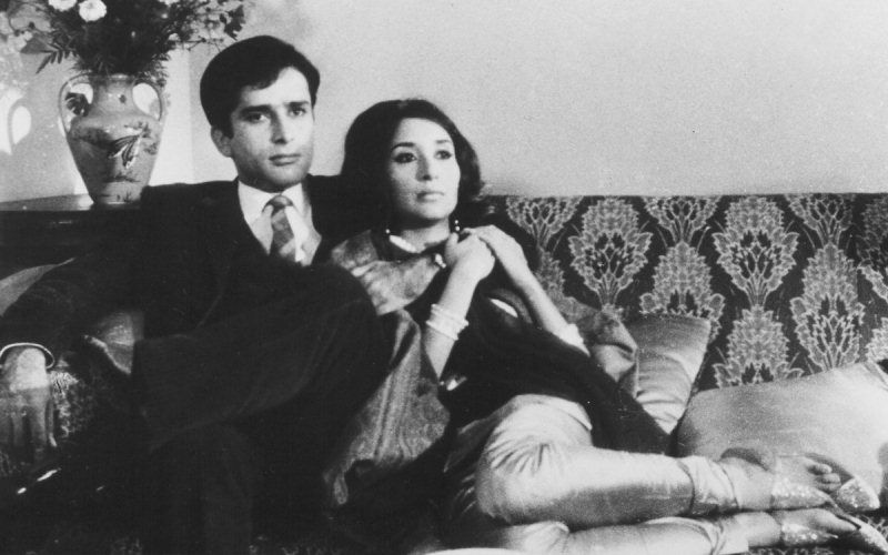Madhur Jaffrey in the movie 'Shakespeare Wallah' with Shashi Kapoor