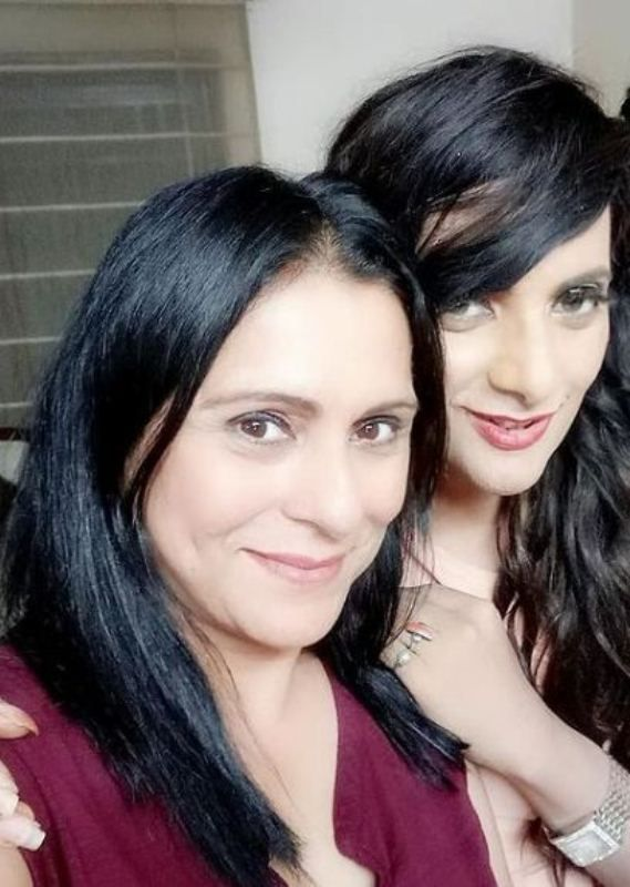 Naaz Joshi with her sister