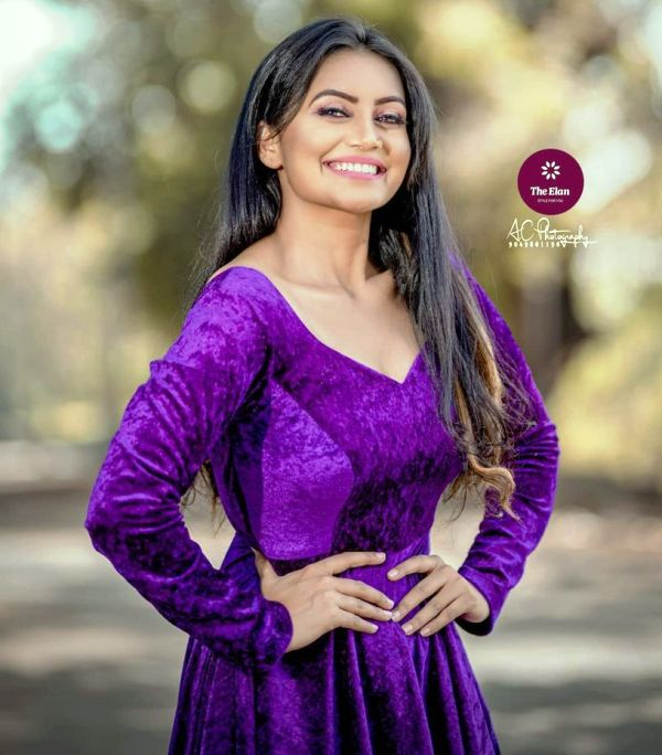 Sonali Patil modelling for The Elan by Swapnaa Raut