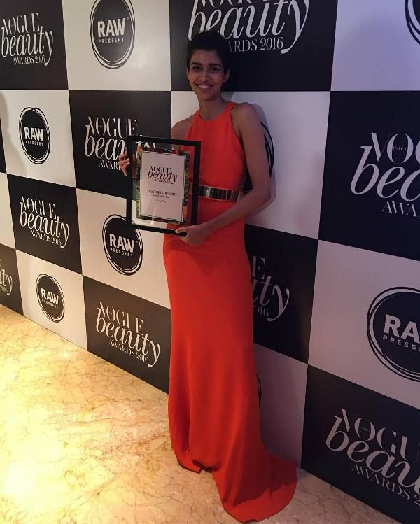 Pooja Mor wins Vogue model of the year Award 2016