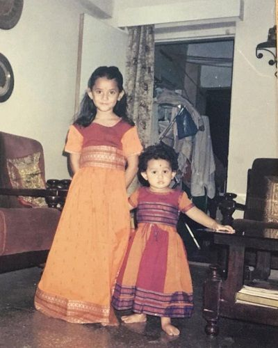 Ria Dabi's childhood picture with her sister