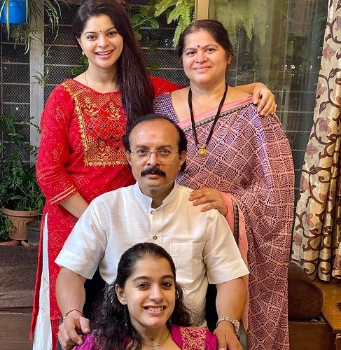 Sneha Wagh with her parents and sister