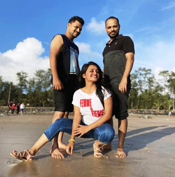 Sonali Patil with her brothers