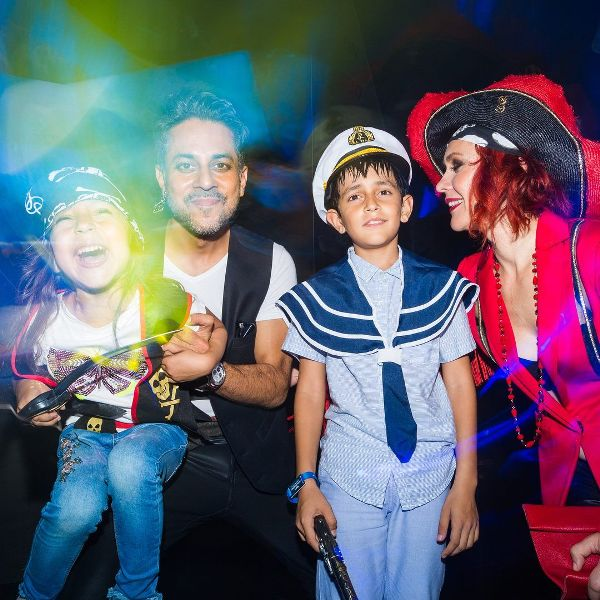 Vishen Lakhiani with his ex-wife and children at A-Fest