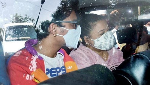 Bharti Singh and Haarsh Limbachiyaa in a van outside NCB office