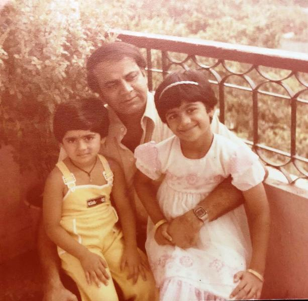 Childhood picture of Shamita Shetty and Shilpa Shetty with their father