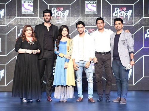 Donal Bisht with other stars of Ek Deewana Tha during a press conference