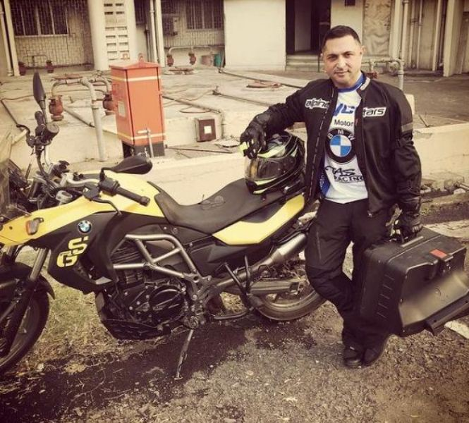 Kaizzad with his BMW GS