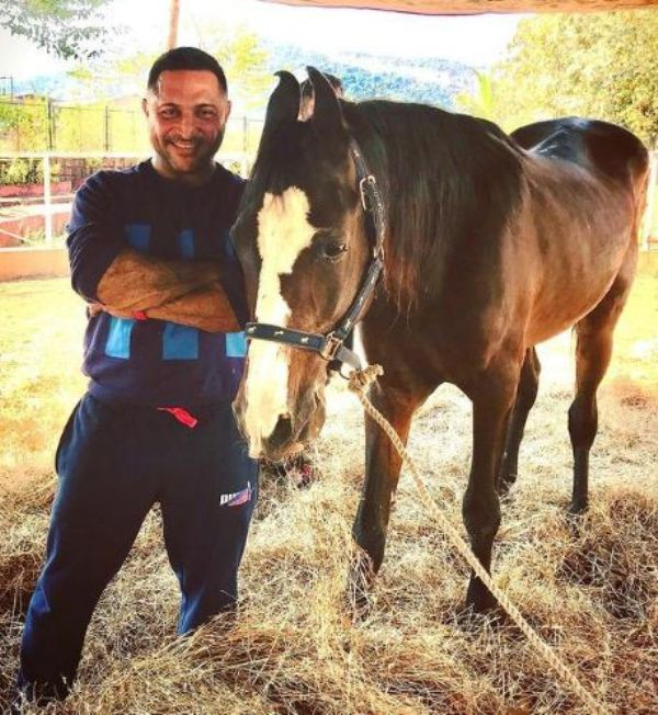Kaizzad with his horse