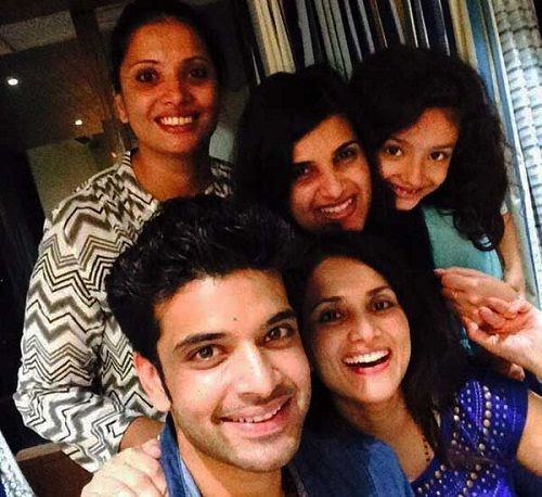 Karan Kundrra with his sisters and niece