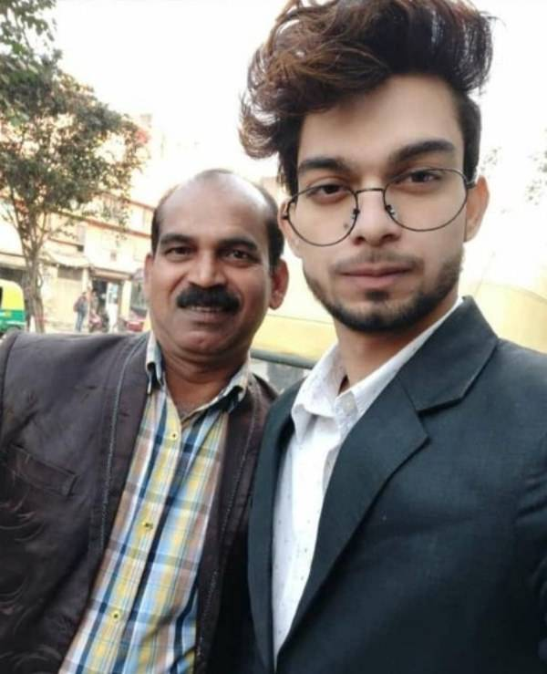 Rupesh Soni with his father