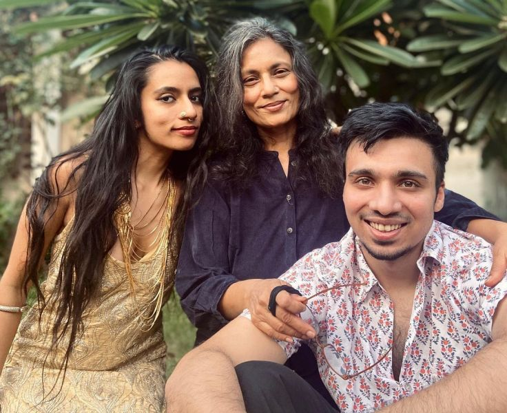 Shilo Shiv Suleman with her brother and mother